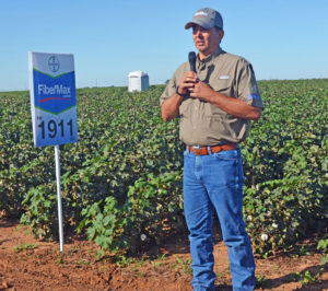 Craig Bednarz, Craig Bednarz, agronomic service rep for Lubbock south, discusses the characteristics of FM 1911GLT, a FiberMax stripper variety new for the 2017 season.